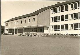 1955. Der Neubau des Schulgebäudes.